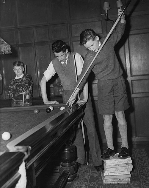Phone Books Used for Snooker Shot 1959, Keystone Hulton Archive, Getty Images