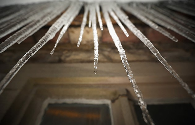 Icicles Overhead!